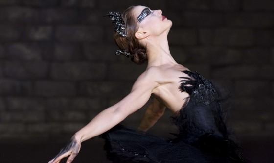 Black swan - Darren Aronofsky - 2011 dans Darren Aronofsky black-swan-560x332