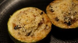 [Vie de Gourmand] Courgettes farcies au jambon cru et aux légumes