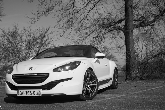 voiture le plaisir absolu avec la peugeot rcz r photos. Black Bedroom Furniture Sets. Home Design Ideas
